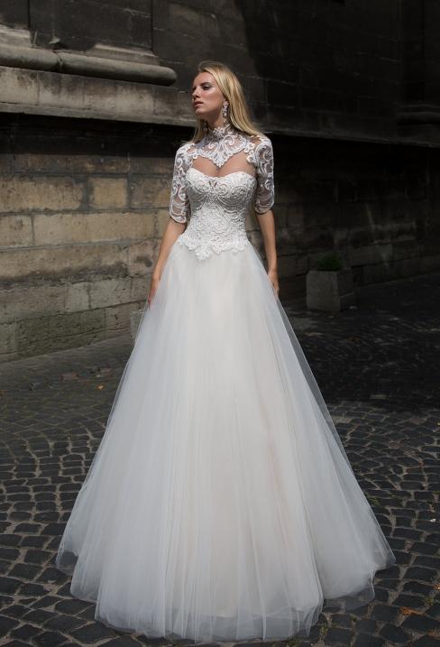 Українські весільні сукні: основні переваги