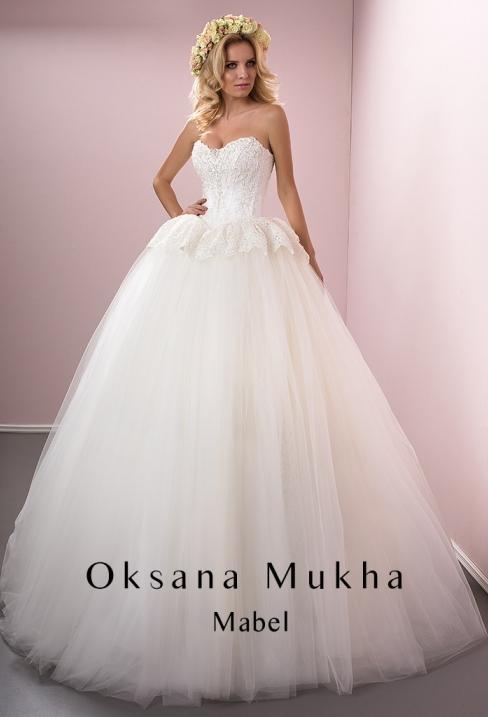 Пишні весільні сукні для справжніх принцес