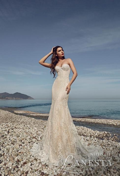 Модный тренд: цветные свадебные платья